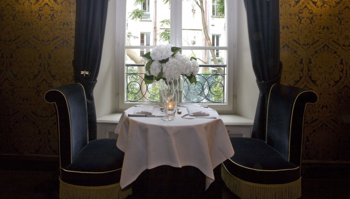 Le-MandragoreDining-Room-Romantic-Hotel-Particulier-Montmartre-1200x682