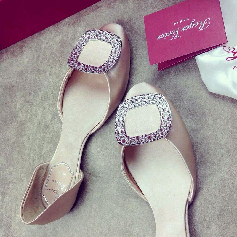 coveted-roger-vivier-shoes-buy-or-regret-all-life-classic-diamond-flats-champagne710s-000