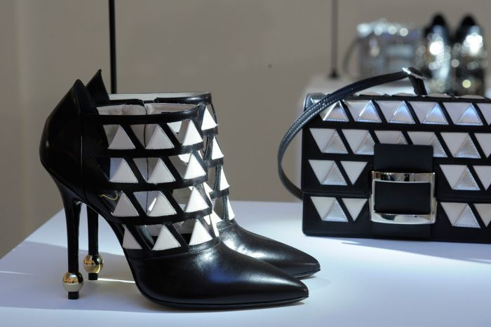 roger-vivier-fall-2016-shoe-collection-16