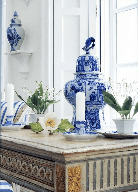 blue-and-white-cr